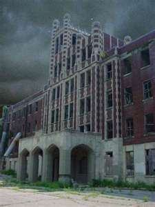 How many times did ghost hunters go to the Waverly Hills Sanatorium?