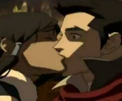 When Mako and Korra kiss how does Bolin react?