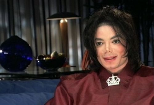 For how long lived Michael in his início Neverland?