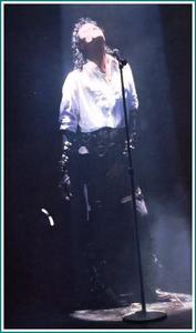 What is the Name of the Woman あなた see in Michael´s Video Dirty Diana?