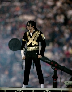 When performed Michael at the most famous Superbowl?