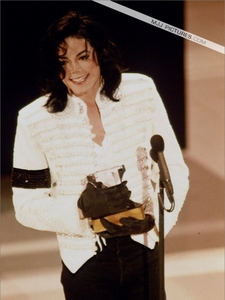 Who was Michael´s ngày at the Grammy´s 1993?