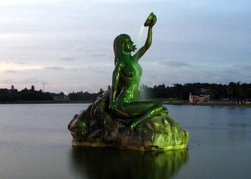 In what city we can see this statue?