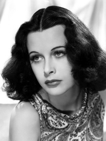 What is the name of this classic actress?