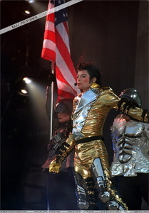In what tahun started Michael´s HIStory World Tour?