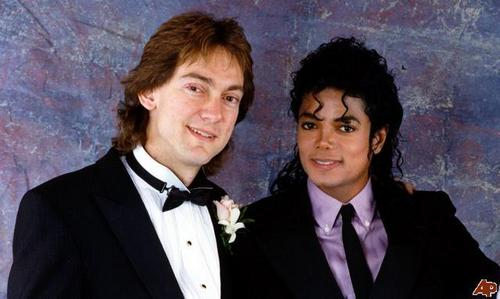 John Branca was for long time Michael´s Lawyer?