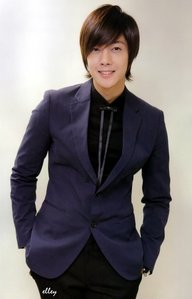 is kim hyun joong handsome