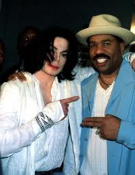 Who is this actor/comedian/radio/game/ 显示 host with Michael Jackson
