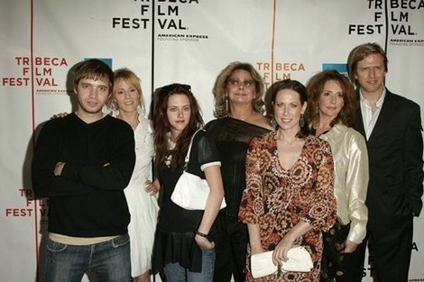 Kristen Stewart and the cast of _______.