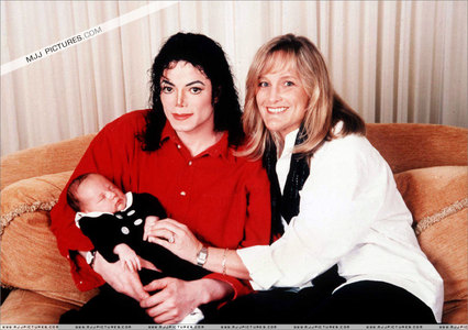 What año was this foto taken of Michael and his family