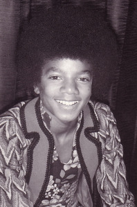 In 1970, while on tour, several attempts have been made on Michael's life sejak gang members