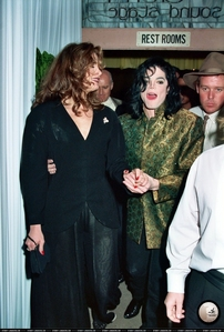 Michael gave then-girlfriend, Brooke Shields, $27,000 2.5 carat diamond ring