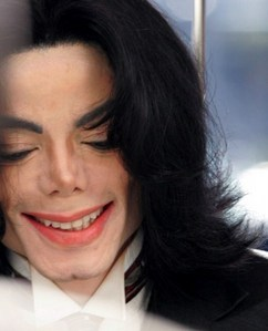 "Michael was a 2002 recipient of the ""Artist Of The Century"" American música Award"