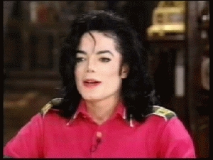 "As stated in a 1987 interview on ""Ebony/Jet Showcase"", Michael recited the spoken intro on his hit song, ""I Just Can't Stop Loving"" while on his tempat tidur naked"