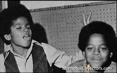 Michael and his older brother, Marlon, were born a tahun and 17 months apart
