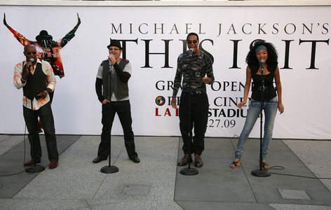 "Michael's four backup singers were the featured vocalists in his ill-fated ""This Is It"" کنسرٹ tour"