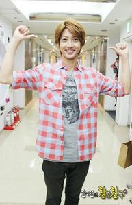 Before Youngmin sleep , what type of songs would he listen to ?