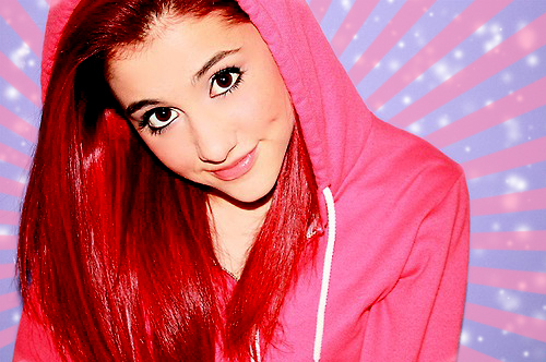 How old Ariana Grande is?