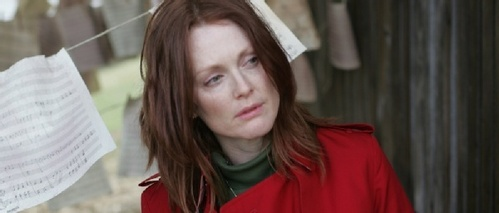 What is the name of Julianne Moore's character?