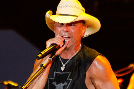 What is Kenny Chesney&#39;s full name?