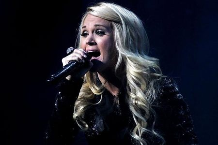 When was Carrie Underwood born?