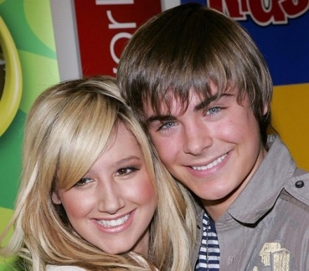 2002, Efron began to appear in guest roles on several television series, including Firefly, ER, and The Guardian. He portray  Cameron Bale on the WB series Summerland