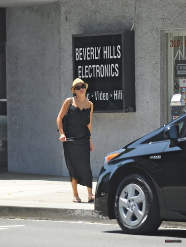 Lea out in Beverly Hill - August 13, 2011