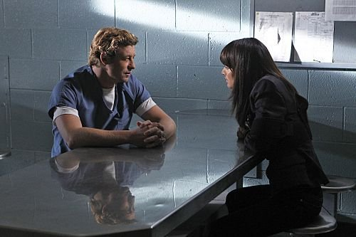 Episode 4.01 - Scarlett Ribbons - Promotional foto