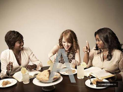 New foto's of Emma and the cast of 'The Help' from the photoshoot for EW.