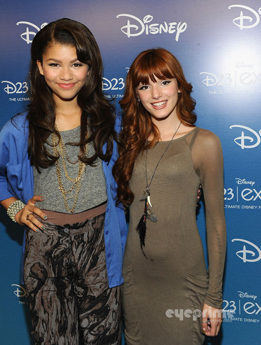 "Bella Thorne : ""Shake It Up"" Panel at Disney Expo in Anaheim, August 21"