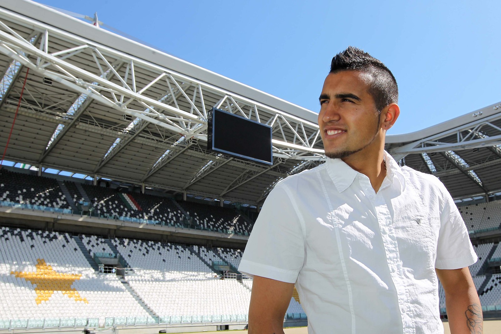 world sports center: the arrival of vidal and pirlo, juventus