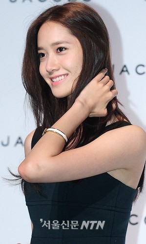 Yoona at Marc Jacobs' 2011 F/W mostrar in Seoul