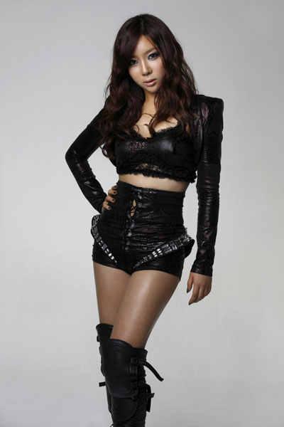Jooyi-rania-korean-24996813-400-600.jpg