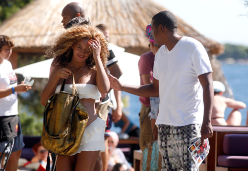 Candids: Beyoncé Shows Off Baby Bump in Croatia (September 6th)