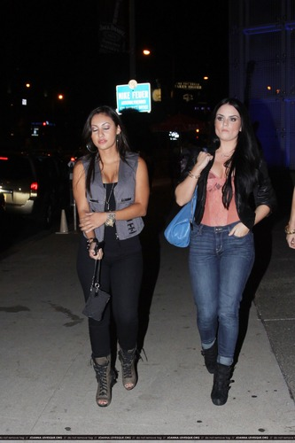 JoJo and Francia Raisa at 보아 Steakhouse in Los Angeles