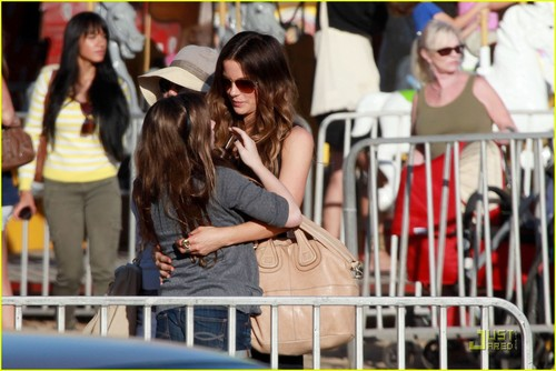 Kate Beckinsale & Lily: Malibu Chili Cook Off Gals!