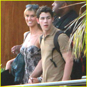 Nick Jonas & Delta Goodrem: Los Cabos for Labor Tag !!!