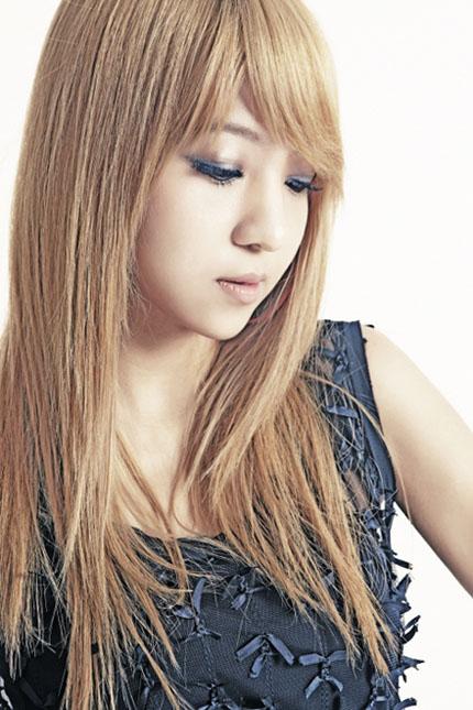 JaeYoon-korean-group-chocolat-25315476-430-645.jpg