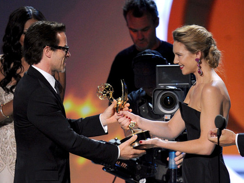 Anna Torv Presenting an Emmy Award to Actor Guy Pearce @ the 2011 Emmy Awards