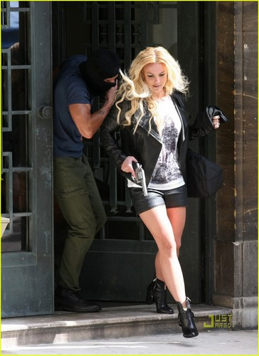 Britney Spears: 'Criminal' Video Shoot in London!