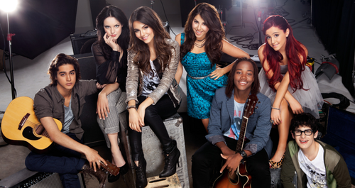 Victorious cast, CD booklet pic!