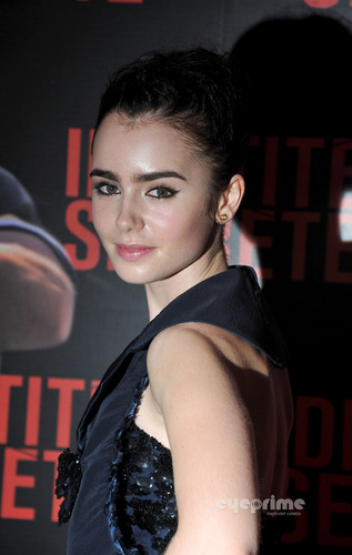 'Secret Identity' (Abduction) Paris Premiere