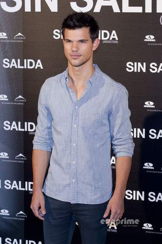 "Taylor Lautner: ""Sin Salida"" Photocall in Madrid"