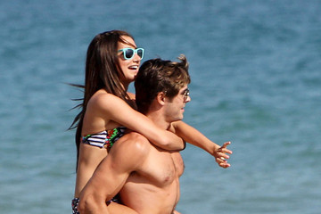 Ashley and Zac Ciuman and huging on the beach, july 2