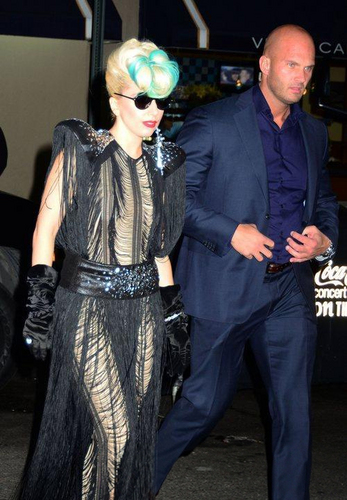 Gaga leaving Sting's 音乐会 in NYC