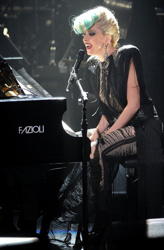 Lady Gaga Live @ Sting's 音乐会 in NYC