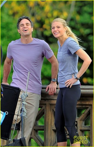 Gwyneth Paltrow & Mark Ruffalo: Thanks for Sharing!