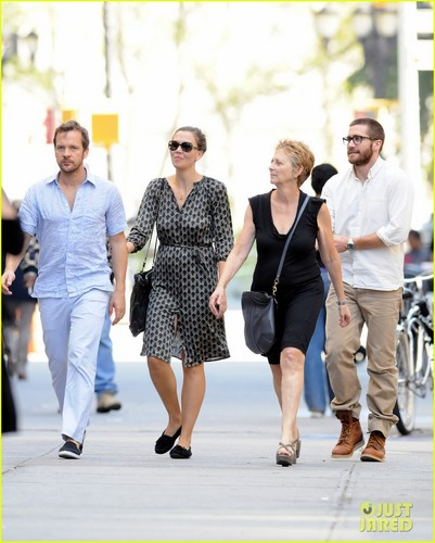 Jake Gyllenhaal Celebrates Yom Kippur with the Family