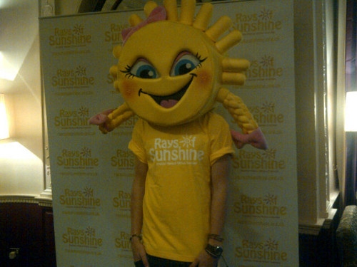 1D visiting Rays Of Sunshine!