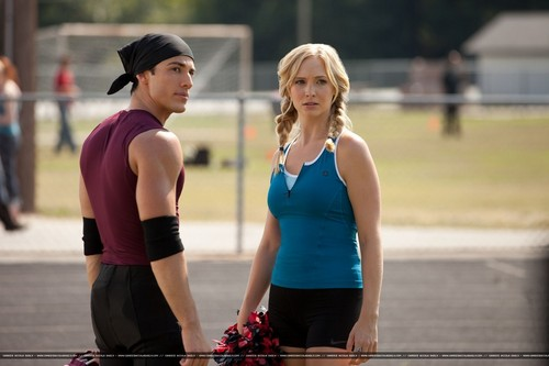 3x06 'Smells Like Teen Spirit' - New HQ Still